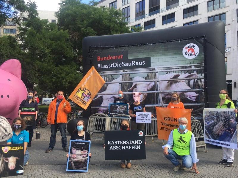 """""""Lasst die Sau raus""""-Protest in Berlin"""
