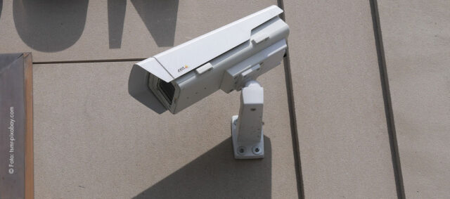 Kamera an einem Gebäude